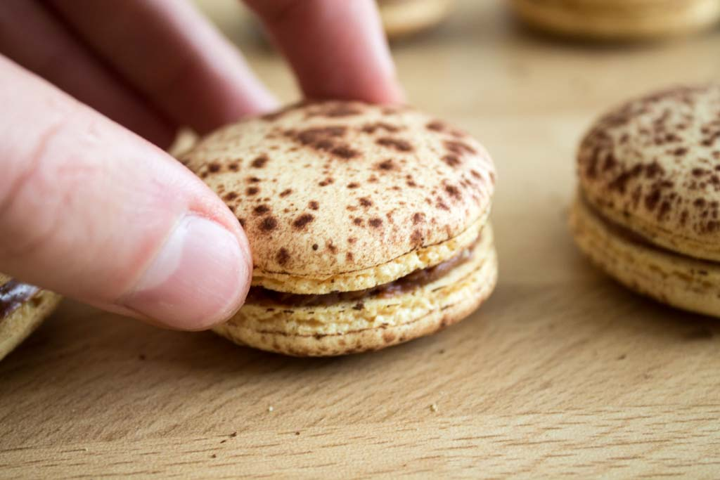Recipe-Mogador macarons-Chocolate passion fruit18