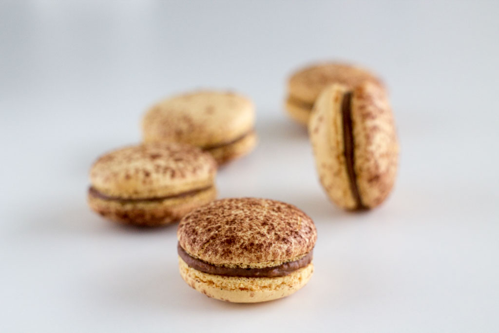 Recipe-Mogador macarons-Chocolate passion fruit22