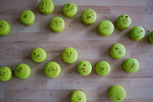 Pistachio macarons 01