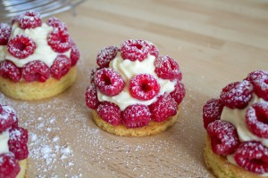 Raspberry tartles with ginger and lime cream