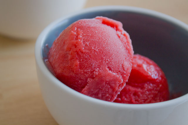 Recipe-Strawberry-sorbet04