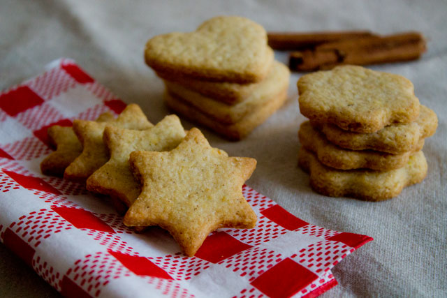 Traditional-Christmas-cookies-21