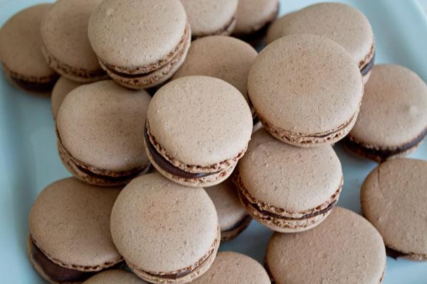 Chocolate macarons - 06