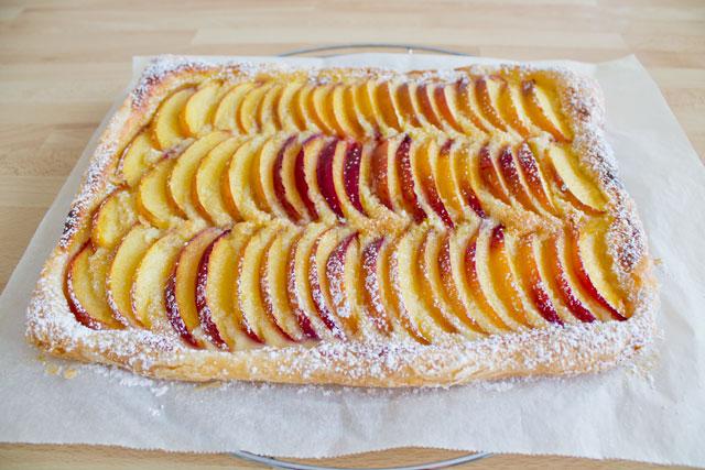 Fresh-peach-tart-with-almond-cream---03