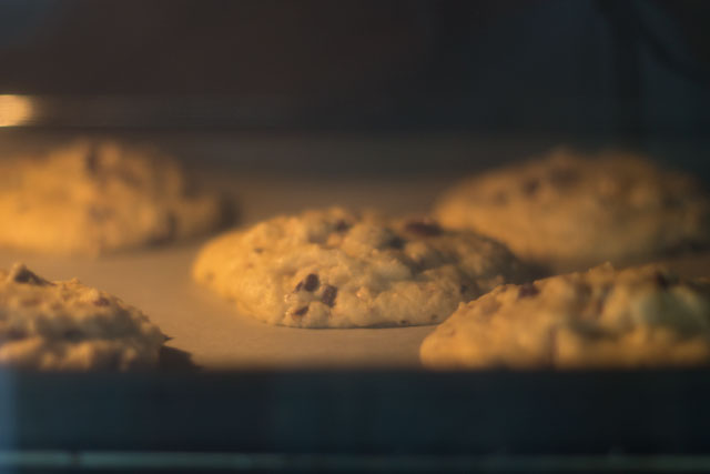 Recipe-Chocolate-chunk-cookies-Step09