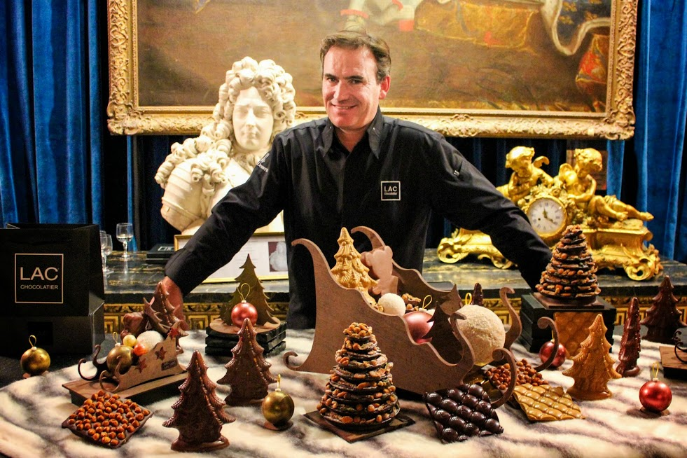 A photogenic Pascal Lac and his Christmas collection :-P